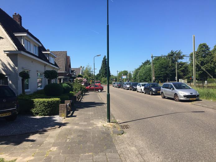 Bewoners van de Nicolaaas van Eschstraat klagen over parkeeroverlast.