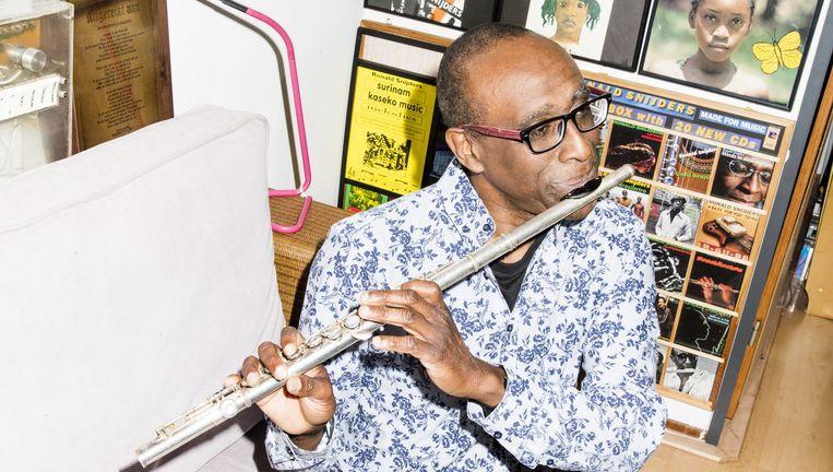 Ronald Snijders: 'Ze willen dat je Wasmasjien komt zingen. Lekker lollig Caraïbisch doen.' Beeld Valentina Vos