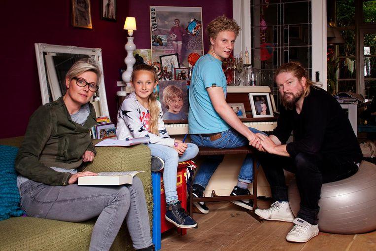 Danielle Dorsman, Izzie, Kai en Kim Hinrichs Beeld Mark van der Zouw