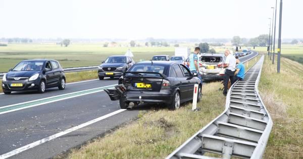 Ongeval op Eilandbrug bij Kampen: verkeer loopt vast op N50.