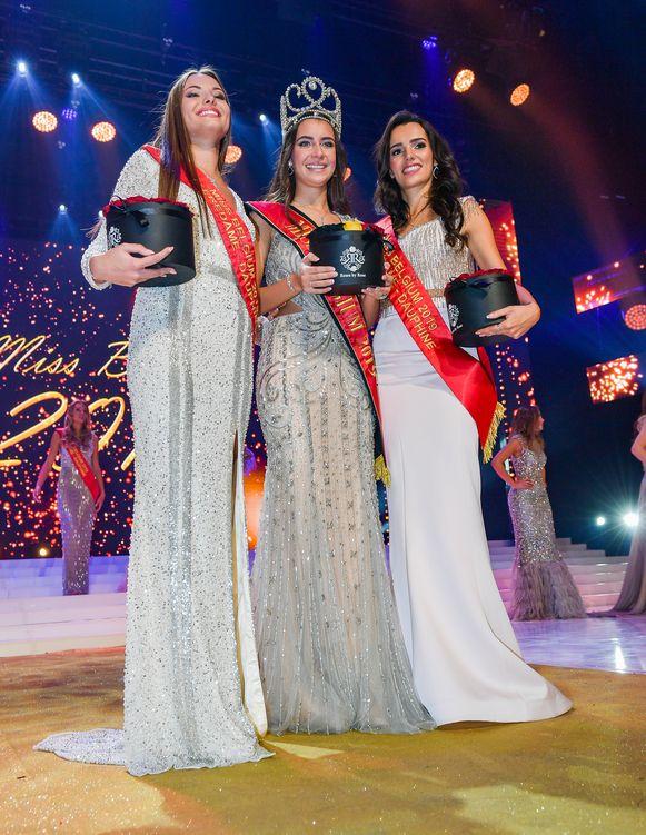 Miss Belgie 2019 Elena Castro Suarez en eredames Elodie Duchesne en Aline Elsermans.