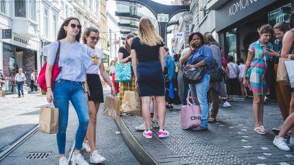 Zo shoppen we volgende week: looprichting in grote winkelstraten, éénrichting in smalle straten, en vol is vol