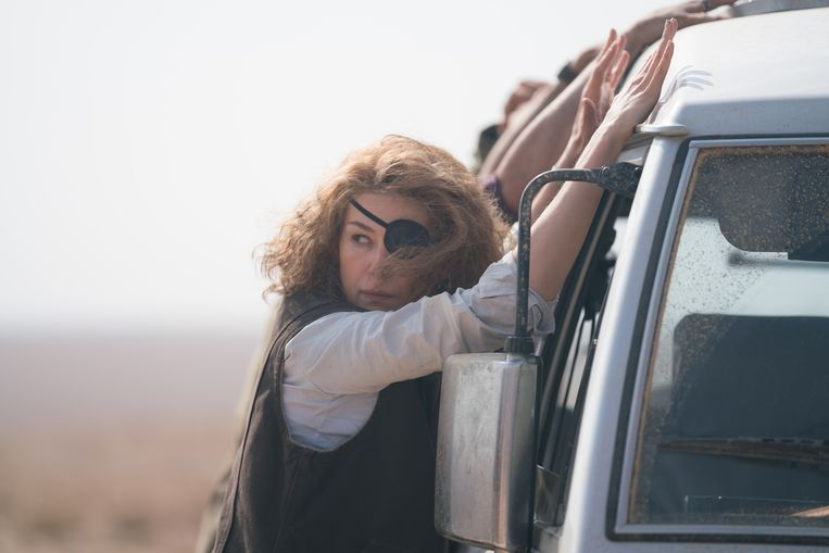 Rosamund Pike in A Private War. Beeld null