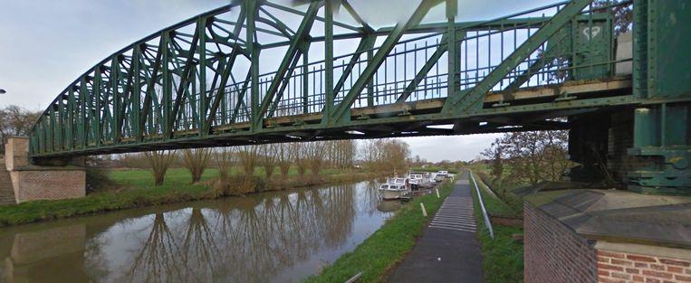 Het jaagpad aan de brug over de Dender in Pollare.