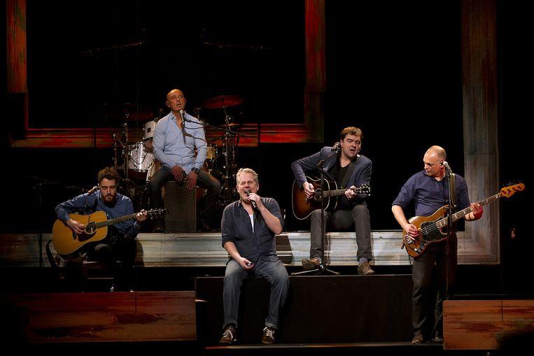 Paul de Munnik tijdens zijn laatste concert met Acda en de Munnik, in Carré. Beeld anp