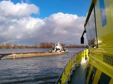 Duwbak kapseist en zinkt op het Hollands Diep