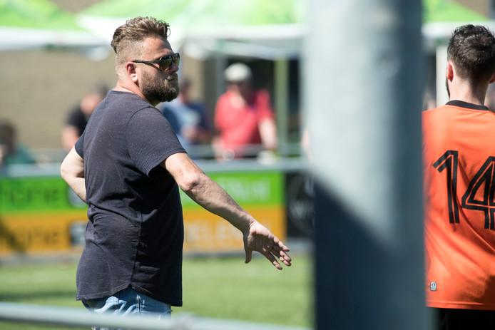 Fabian Krebbers langs de lijn bij Vitesse'08.