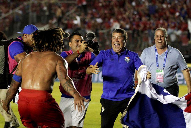Dolle vreugde bij bondscoach Hernán Gómez nadat Panama zich op 10 oktober plaatste voor het WK