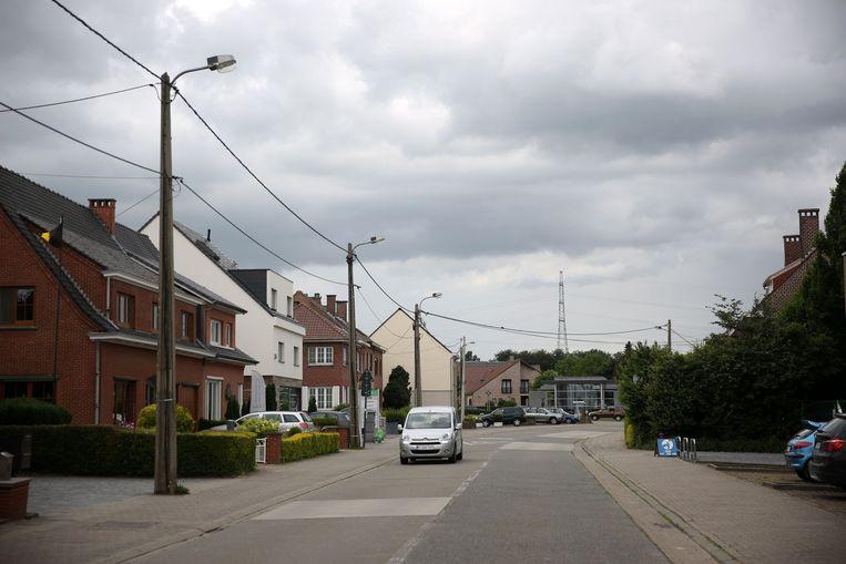 Onder meer langs de Lenniksesteenweg zal de nieuwe verlichting betaald worden via het project waar inwoners op kunnen intekenen.