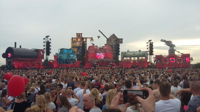 25.000 danceliefhebbers komen samen in Lathum voor Dreamfields.