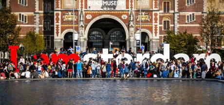 Metaalplan Uden maakte letters I Amsterdam: 'Ook goed geweest voor ónze naamsbekendheid'