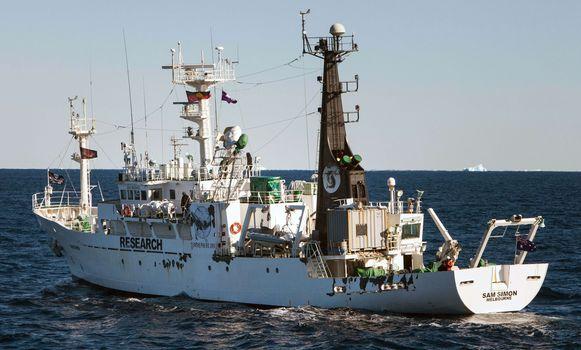 Het Sea Shepherd-schip dat de naam van Sam Simon draagt.