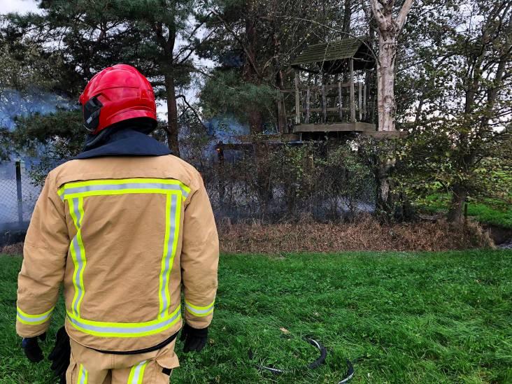 Boomhut en trampoline verbrand in Oirschot