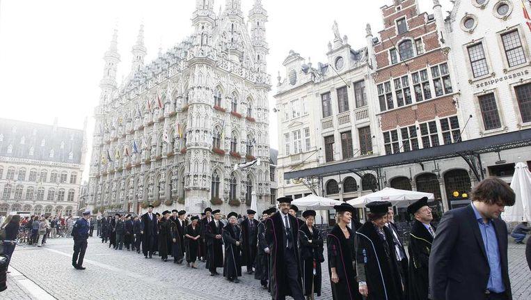 De K.U.Leuven opende maandag het jaar met de tradionele academische stoet.