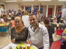 Cultuurverschillen te zien aan de tafel bij integratie-eten in Gemert