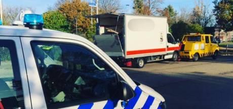 Politie in Betuwe levert twaalf agenten in