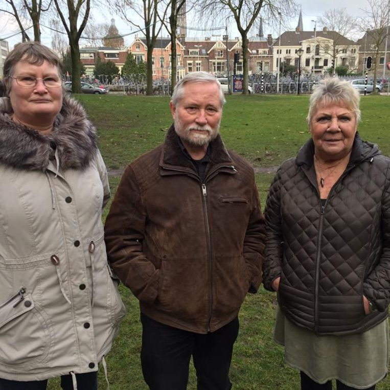 Teleugestelde Pegida aanhang: Sjoukje, Piet en Ria. Beeld Margriet Oostveen
