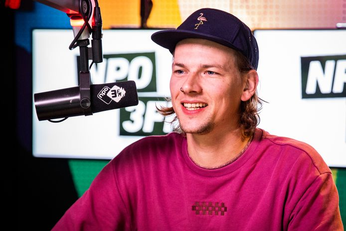 Sander Hoogendoorn. Sinds begin september 2018 presenteert hij de ochtendshow van 3FM.