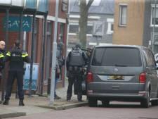 Joey D. schiet bij aanhouding op politie na veroordeling voor doden oom, politie schiet terug