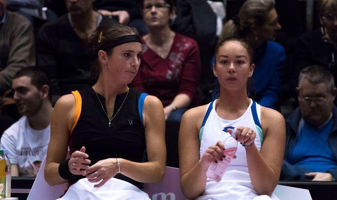 Lesley Pattinama-Kerkhove, hier rechts, verloor in Parijs in de tweede kwalificatieronde.
