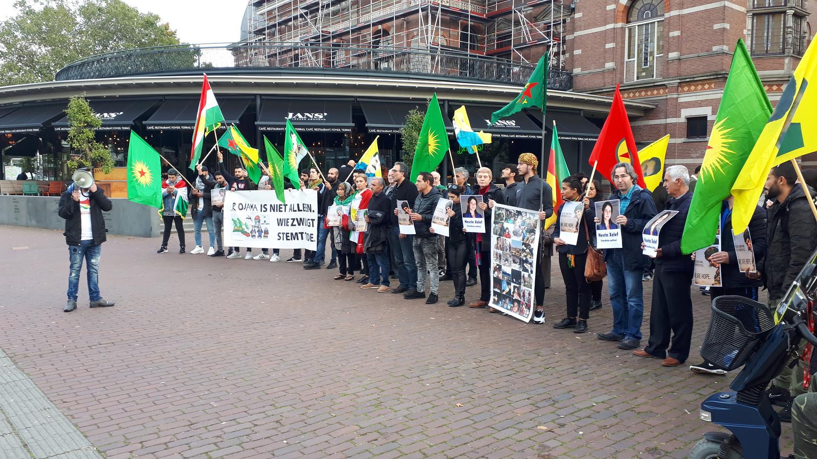 Arnhemse Koerden protesteren in Arnhem