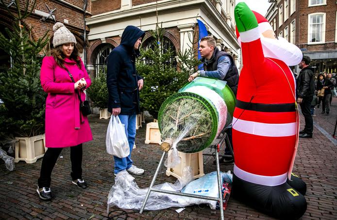 20In het laatste weekend voor kerst wordt er volop gewinkeld om alle cadeau's, drank en etenswaren voor de feestdagen in huis te halen.