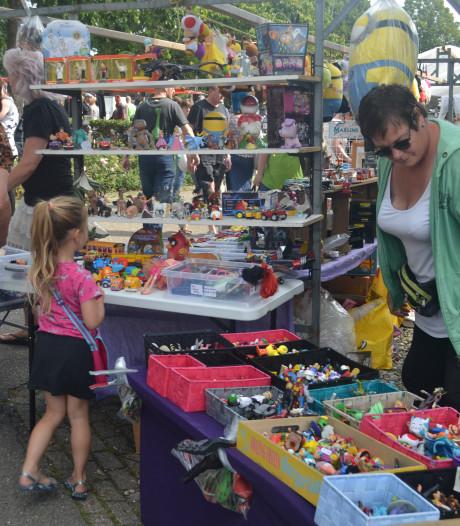 Tweedehands markt Overlangel weer feestje voor publiek en verkopers