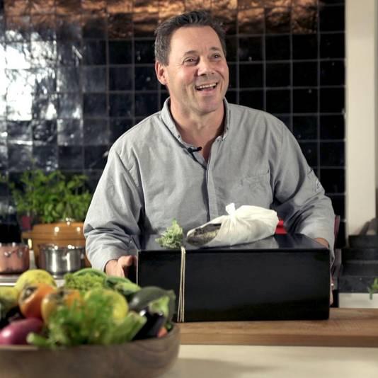 Catering kan niet, dus maakt Jurgen van Kookpunt boxen met een vijfgangenmenu.