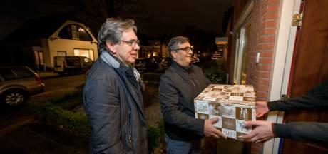 Roggekamp Peitsch Fonds maakt jongste klanten Voedselbank Almelo blij met gift