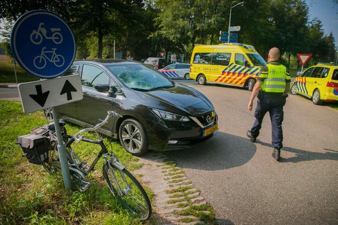 Het ongeluk gebeurde op de kruising Rijksweg met de Burgemeester Vrijlandweg