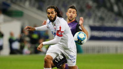 Football Talk. Denayer niet langer aanvoerder Lyon - Club ziet Mitrovic uitvallen - Vertonghen weer op training