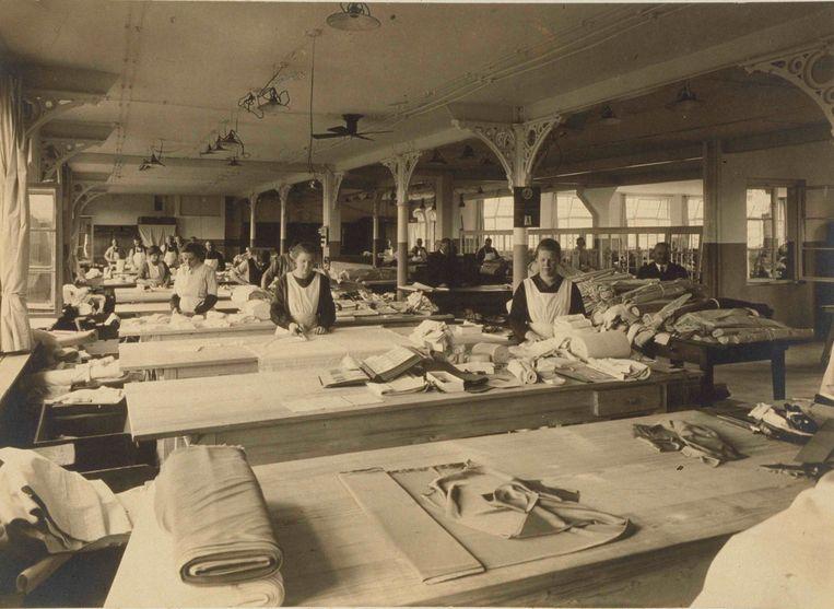 Atelier Van De Velde in de jaren 40.