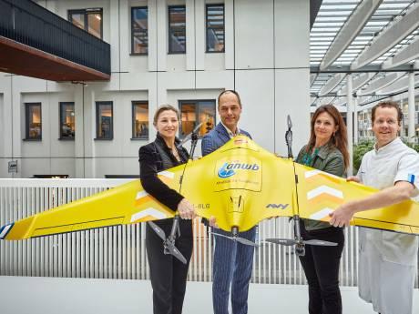 Snel bloed en medicatie vervoeren: in Rotterdam wordt een proef gedaan met een drone
