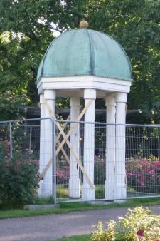 Koepeltje bij trouwlocatie het Rosarium in Boskoop weer hekkenvrij