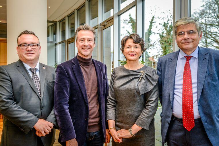 Dit is de nieuwe, afgeslankte versie van de deputatie: Jurgen Vanlerberghe (sp.a), Bart Naeyaert (CD&V), Sabien Lahaye-Battheu (Open Vld) en Jean de Bethune (CD&V).