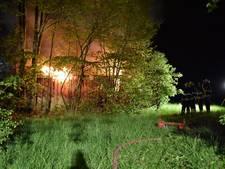 Opslag brandt uit in Poederoijen