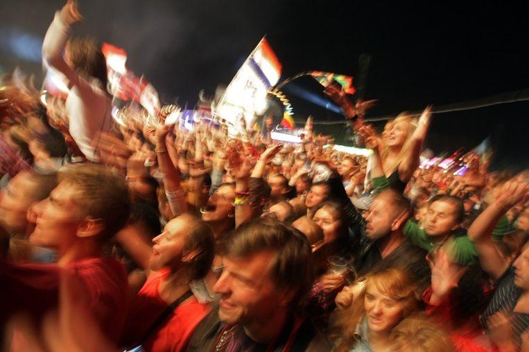 De 'bouncende' menigte bij Snoop Dogg op Sziget Beeld afp