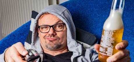 Cabaretier uit Apeldoorn weerlegt Blue Monday: 'Geniet van die vette snack waar je al dagen zin in hebt'