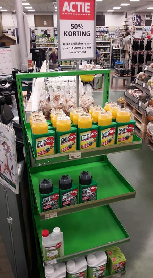 Afgelopen weekend werden de flessen Roundup nog voor de helft van de prijs te koop aangeboden.