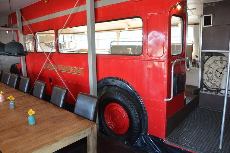 De oudste bus zal meeverhuizen naar de nieuwe locatie.