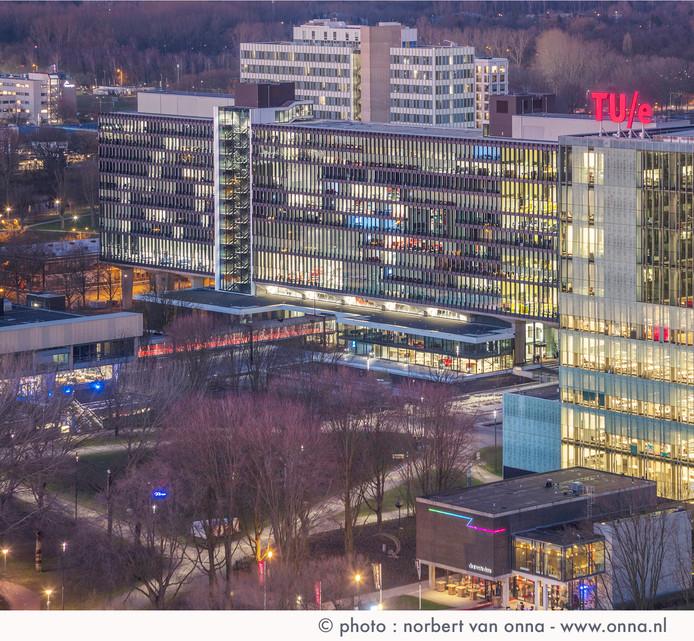 De Technische Universiteit Eindhoven is ongeveer even groot als de Universiteit Twente.