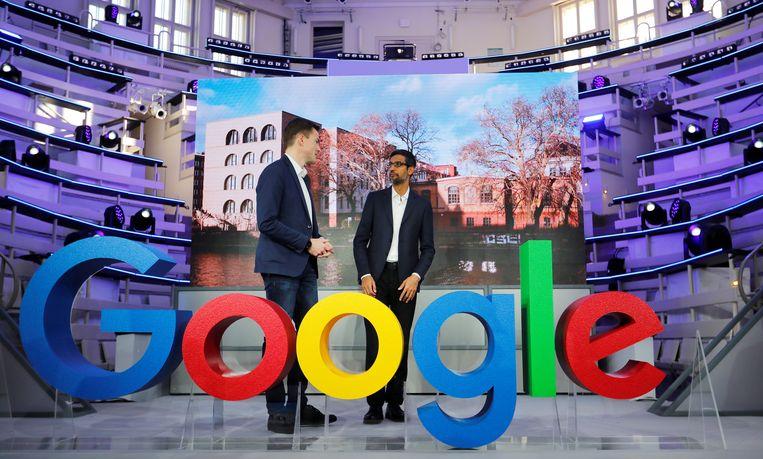 Google's CEO Sundar Pichai en vicepresident voor Europa Philipp Justus tijdens de opening van het nieuwe Google-kantoor in Berlijn in januari 2019.