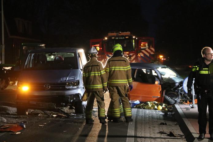 Na een aanrijding met een busje is de bestuurder van een brommobiel ernstig gewond geraakt.