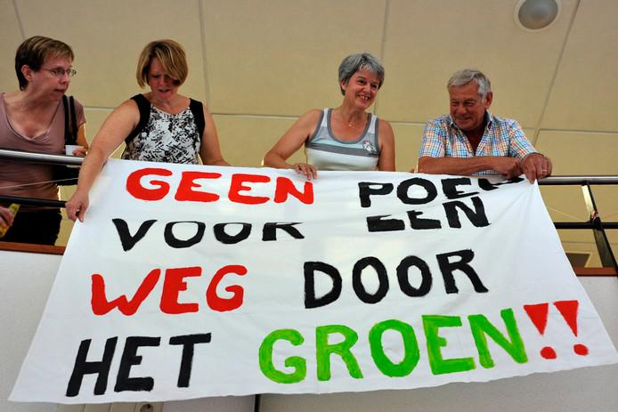 Actievoerders voor/tegen westelijke randweg in 2015.