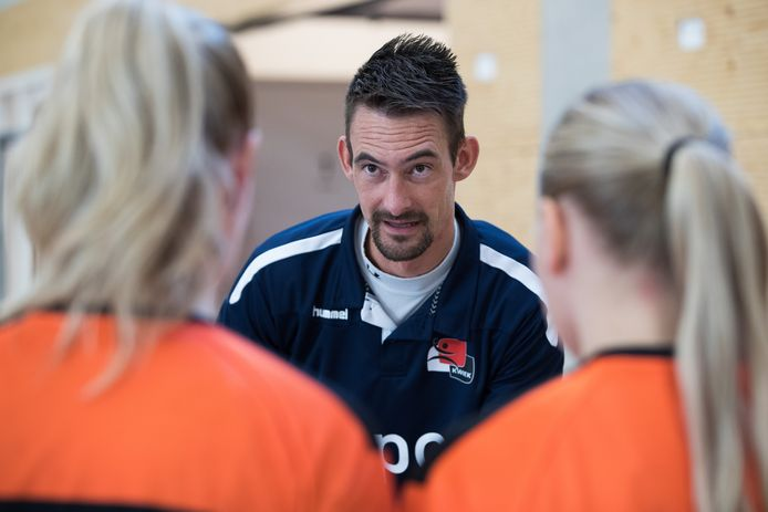 Kwiek trainer Lars Hoogeveen