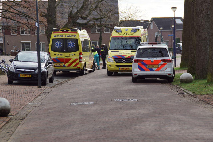 Een voetganger is zondagochtend gewond geraakt na een aanrijding met een wielrenner in Beltrum.