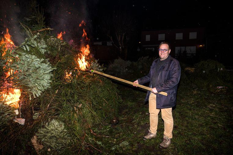 Burgemeester Tom De Vries (Open Vld) mag ook deze keer de kerstbomen aansteken.