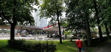 Tankstation op 24 Oktoberplein mag ondanks overlast voor buurt 's nachts weer open