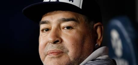 Diego Maradona placé à l'isolement