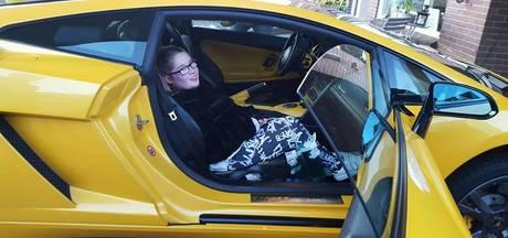 Priscilla op stap met stoere Lamborghini